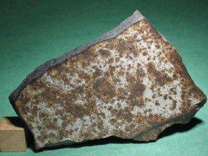 Ejemplo de W4: Meteorito Dar al gani 477, de clase L6 S4 W4. Foto de meteoritemarket.com
