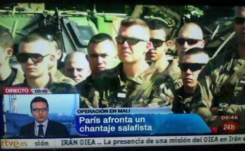 """Televisión Española """"informando"""" sobre la guerra de Malí, el 17 de enero 2013: """"París afronta un chantaje salafista""""."""